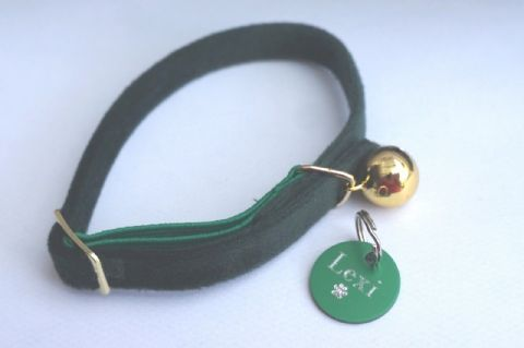 ANCOL GREEN VELVET ELASTICATED SAFETY CAT COLLAR WITH TAG ENGRAVED BOTH SIDES